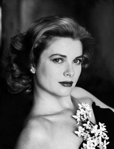 One of Hollywood's most beautiful faces, the timelessly elegant Grace Kelly died 29 years ago this week. Best remembered as the reserved leading lady in some of Hitchcock's greatest works of suspense and as a (not so) fairytale princess in Monaco, Grace led a life that was worthy of a screenplay.    On the week of her anniversary, here's ten facts about the inimitable Grace Kelly: