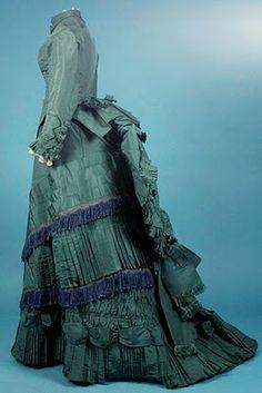 dress 1880 http://www.augusta-auction.com/
