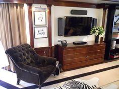 Boat Interior, Uphol