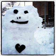 Golden oldies #lumiukko⛄  #frost #snowman ⛄ #lumi #snow #white #blackhearts ♥ #licoricemouth  #lakunappisilmä #ilmastonmuutos #climatechange #demonstration #mielenosoitus