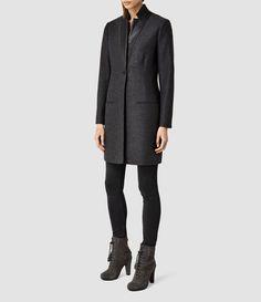 MANTEAU LORIE Cette saison, nos manteaux sont des pièces d'investissement combinant tissus exclusifs et silhouettes sans effort.Coupé dans une laine en Melton italienne.Avec des empiècements contrastants en cuir, entièrement doublé. ASSOCIÉ À:Notre Pull Riva et la Botte Grimsby.COMMENT LE PORTER CETTE SAISON:Enfilez-le sur un t-shirt en soie et une paire de jeans sombres.85% laine, 20% polyamide.  Empiècement: 100% cuir.Nettoyage à sec.