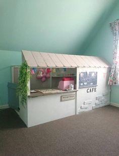 モモのカフェ小屋.