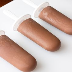 The smooth, sweet, creaminess of Nutella chocolate hazelnut spread is absolutely perfect in this recipe for homemade Nutella Fudgesicles (fudge popsicles).