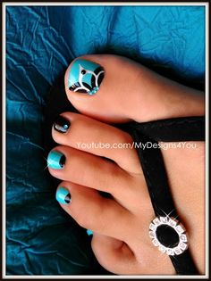 Beautiful baby blue toenail art design tutorial with bold floral detail and rhinestones. Try this gorgeous pedicure! Check out my other toe nail designs- htt. Pretty Toe Nails, Cute Toe Nails, Toe Nail Art, Fancy Nails, Diy Nails, Black Toe Nails, Nail Nail, Blue Nails, Toenail Art Designs