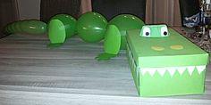 Krokodil verrassing surprise. Leuk om de staart zo met ballonnen te maken.