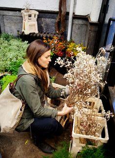 How to Navigate the New York City Flower Market on 28th Street | Gardenista