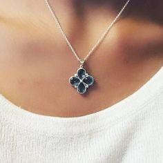 #Pendentif #Eternelle disponible sur www.uneligne-boutique.com