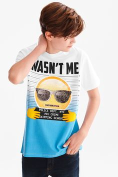 Discover the latest fashion! Emoji - short sleeve T-shirt now at the C&A online shop – Fast delivery✓ Top quality✓ Great prices✓ Latest Boys Fashion, Boy Fashion, Textile Logo, Emotional Child, Pretty Backgrounds, Hipster Girls, Baby Models, Street Wear, Nyc