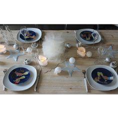 [ Tuto DIY ] Une jolie déco de table pour Noël à faire vous-même en suivant ce tuto >>> http://www.perlesandco.com/Deco_table_No%C3%ABl_tulle_feutrine_et_lin-s-2409-17.html