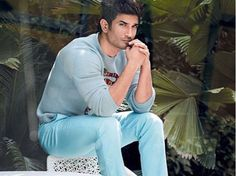 This picture of Sushant Singh Rajput will definitely make you smile. Check it out! Cute Actors, Handsome Actors, Handsome Boys, Bollywood Stars, Bollywood News, Cool Hairstyles For Men, Sushant Singh, Actors Images, Real Hero