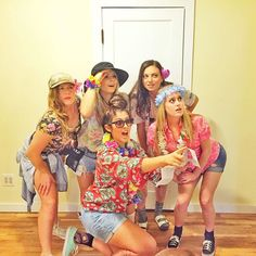 Pin for Later: 40+ Easy Halloween Costumes For Lazy Partygoers Tourist We've all been a tourist at one time or another. A Hawaiian shirt, sunglasses, and a floppy hat are all you need for this look.