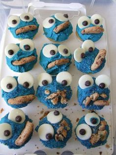 cookie monster cupcakes. love kid food, cookie was always the best sesame character!
