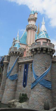A wonderful list of Disneyland secrets, hidden gems and trivia - includes information about Disney California Adventure. Disneyland 60th, Disneyland Secrets, Vintage Disneyland, Disneyland Resort, Disney Travel, Disney Trips, Disney Parks, Walt Disney World, 60th Anniversary