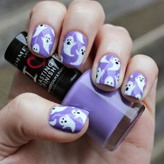 Dahlia Nails: Cute Ghost Nails For Halloween Cute Halloween Nails, Halloween Acrylic Nails, Fall Acrylic Nails, Halloween Nail Designs, Fall Nail Art, Acrylic Nail Designs, Halloween Coffin, Diy Halloween, Holiday Nails