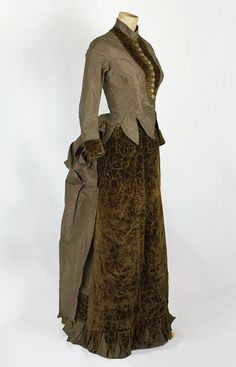 Red dress quilt 1880s