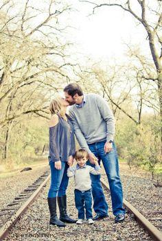 Cute family photo, sacramento photographer, Ashley Eastlund photography, railroad tracks