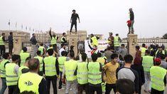De gele hesjes zijn een hype geworden. De hele wereld wil nu van zich laten horen en doen dit in de naam van de 'gele hesjes'. Zo'n honderd gele hesjes hebben gedemonstreerd in Basra, in het zuiden van Irak. Ook zij strijden tegen de ongelijkheid.