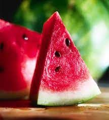 Watermelon: Chock full of water and nutrients - The Bay State Banner Green Watermelon, Watermelon Diet, Watermelon Benefits, Sources Of Vitamin A, Carbohydrate Diet, Food Processor Recipes, Fruit, Summer 3, Summer Vibes