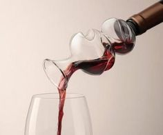 On-The-Bottle Conundrum Wine Aerator