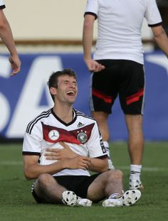When I try to tell a funny joke . and laugh at it by myself Soccer Memes, Football Memes, Sport Football, Football Players, Germany Team, Germany Football, Real Soccer, Soccer Fans, Thomas Müller