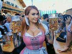 Octoberfest Girls, German Beer Festival, Beer Maid, Beer Girl, Anime Girl Hot, German Girls, Erotic Photography, Gothic Lolita, Traditional Dresses