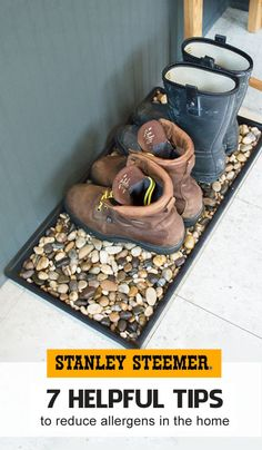 2 Minute Boot Tray Makeover With River Rocks Give your old boot tray a makeover by adding river rocks! The rocks allow your shoes to drain without sitting in dirty water, plus they look so pretty! Garage Makeover, Backyard Makeover, Home Projects, Craft Projects, Projects To Try, Boot Tray, Rock Boots, Decorating Tips, Diy Furniture