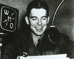 Future California Governor and U. President Ronald Reagan worked at WHO radio in Des Moines, Iowa as a sportscaster from 1932 to American Presidents, Us Presidents, American History, Hollywood Actor, Classic Hollywood, Hollywood Icons, Radios, Governor Of California, Nancy Reagan