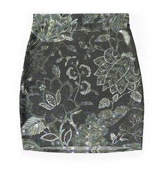 Black & White Vintage Floral Shimmer