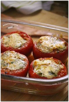 baked stuffed tomatoes with blue cheese. Veggie Recipes, Cooking Recipes, Healthy Recipes, Tapas, Salada Light, Salade Healthy, Food Crush, Love Eat, Casserole Recipes