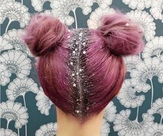 This New Glitter Hair Trend Will Make You Feel Very Itchy