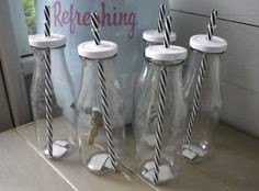 VINTAGE OLD SCHOOL MILK BOTTLE DRINKING GLASSES STRIPY STRAW & MATCHING LID