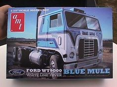 White line fever Cool Trucks, Big Trucks, Semi Trucks, Vintage Models, Old Models, Plastic Model Kits, Plastic Models, Truck Store, Model Truck Kits