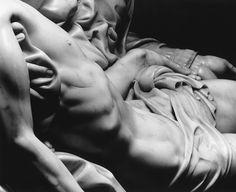 Aurelio Amendola - La Pieta by Michelangelo Michelangelo Pieta, Michelangelo Sculpture, Michelangelo Paintings, Renaissance Kunst, High Renaissance, Renaissance Paintings, Art Ninja, La Pieta, Venus De Milo