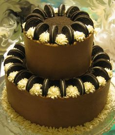 Oreo cake - Chocolate WASC with Oreo filling and chocolate and vanilla butter cr. - Was mir gefällt - Oreo Ideas Oreo Frosting, Chocolate Buttercream, Cake Chocolate, Buttercream Frosting, Cake Cookies, Cupcake Cakes, Cream Cookies, Oreo Cupcakes, Mini Cakes