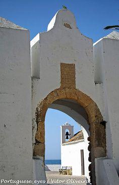 Fortaleza de Armação de Pêra. Nous louons des appartements de vacances à Armaçao de Pêra. Visitez costabec.com