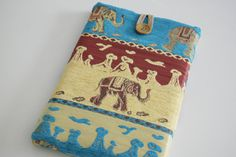 "ElephantLaptop Sleeve 14"" - 15.6"" inch Laptop Case, Ultrabook Sleeve or MacBook Pro, Laptop Bag, Laptop Cover, Laptop Sleeve, Macbook Sleeve by IstanbulDesings, an Etsy shop based in Turkey. I think that was supposed to be Istanbul Designs. #elephants"