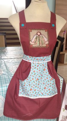 Jean Apron, Sewing Crafts, Sewing Projects, Fabric Storage Boxes, Apron Designs, Sewing Aprons, Tutorial Diy, Pretty, How To Wear