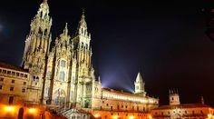 Santiago de Compostela:) http://www.acidigital.com/noticias/quantos-peregrinos-fizeram-o-caminho-de-santiago-em-2015-10622/
