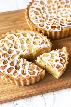 Thought a bakewell tart couldn't get any more yummy? Think again! We've added gin and lemon curd to this classic treat and yes, it is as ridiculously delicious as it sounds! Tart Recipes, Sweet Recipes, Cooking Recipes, Shrimp Recipes, Sweet Pie, Sweet Tarts, Bakewell Tart, Lemon Curd, Vegan Desserts