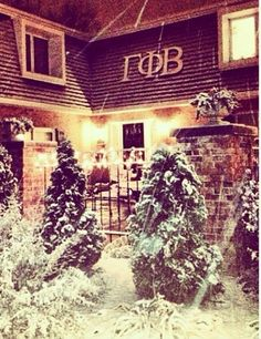 Gamma Phi Beta at Illinois State. Lived in the upstairs room with the light on :) The Places Youll Go, Places To Go, Sorority Row, Gamma Phi Beta, Illinois State, Picture Quotes, Carrie, Cute Pictures, Beautiful Places