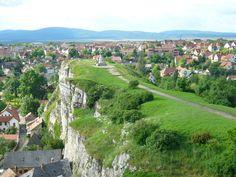 Születtünk Magyarországon és szeretjük Magyarországot. Illetve a magyar tájat és emlékeket, bármerre a Kárpát-medencében. Most szerzőink vallanak arról, mi az ő tökéletes helyük, helyszínük a magyar tájban. Röviden és– vigyázat!– érzelmesen. De hogyan… How Beautiful, Beautiful Places, Budapest Hungary, Homeland, Countryside, Dolores Park, Spain, Places To Visit, Castle