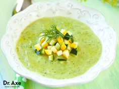 Recipe Chile Poblano Cream with Elotes Source by Vegan Soup, Healthy Soup, Healthy Snacks, Healthy Eating, Healthy Recipes, Creamy Zucchini Soup, Asparagus Soup, Real Food Recipes, Cooking Recipes