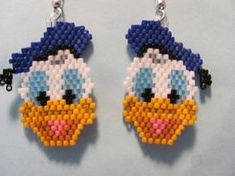 Etsy の Hand Beaded Donald Duck earrings by Pony Bead Patterns, Beading Patterns, Beading Projects, Beading Tutorials, Beaded Crafts, Seed Bead Jewelry, Seed Beads, Beaded Animals, Pony Beads