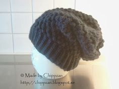 """Made by Chippzan: Slouchy """"puffy"""" hat - free pattern Crochet Gifts, Free Crochet, Knit Crochet, Crochet Things, Crotchet, Knitted Animals, Knitted Hats, Crochet Scarves, Crochet Clothes"""