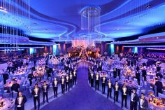 Sequoia Productions gave the Academy Awards Governors Ball a dramatic look, with curving lines and fiber-optic chandeliers.