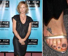 What Size Shoe Does Jennifer Aniston Wear
