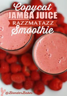 Copycat Jamba Juice Razzmatazz Smoothie Recipe from @BlenderBabes | Very smooth and berry delicious, this copycat jamba juice razzamatazz smoothie has a nice balance of bright, sweet, and tangy, with a beautiful color!