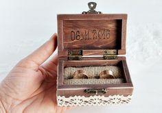 Rustikal-Ring-Kasten,+Hochzeit+Ringkissen+Box,+Sch+von+Kleine+Holzhause+auf+DaWanda.com