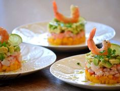 Tartar de langostino, mango y aguacate – Tartaar van Garnalen, mango en avocado Salmon Y Aguacate, Appetizer Recipes, Appetizers, 5 Ingredient Recipes, Peruvian Recipes, Mini Foods, Ceviche, Easy Cooking, Japanese Food