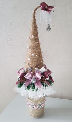 Pine Cone Christmas Tree, Fabric Christmas Trees, Christmas Tree Pattern, Cottage Christmas, Pink Christmas, Rustic Christmas, Christmas Crafts To Sell, Homemade Christmas, Christmas Projects